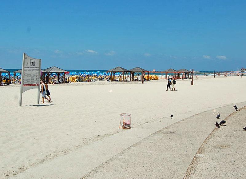 gordon beach in tel aviv